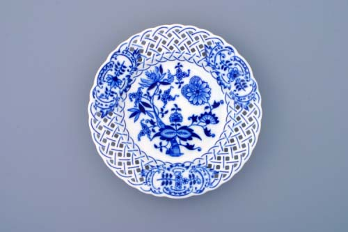 Zwiebelmuster Plate Perforated 18cm, Original Bohemia Porcelain from Dubi
