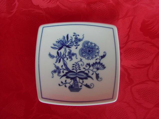 Zwiebelmuster Saucer Sqaure 13cm, Original Bohemia Porcelain from Dubi