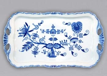 Zwiebelmuster Rectangular Tray Aida on Foot, Original Bohemia Porcelain from Dubi