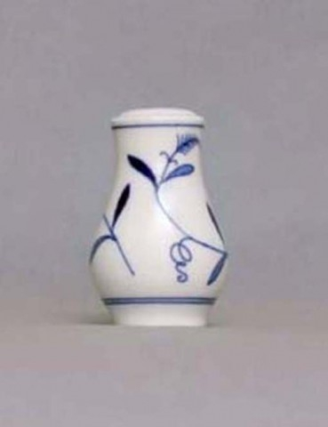 Eco Zwiebelmuster Pepper Shaker, Bohemia Porcelain from Dubi