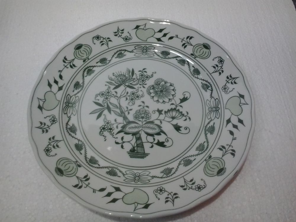 Green Zwiebelmuster Flat Plate 26cm, Bohemia Porcelain from Dubi