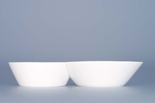 Zwiebelmuster Two Saucer Set, Bohemia Porcelain from Dubi