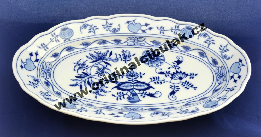 Zwiebelmuster Fish Dish Oval 35cm, Original Bohemia Porcelain from Dubi