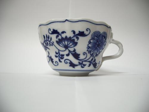 Zwiebelmuster Tasse hoch , Gr. D 0,35L Original Bohemia Porzellan aus Dubi