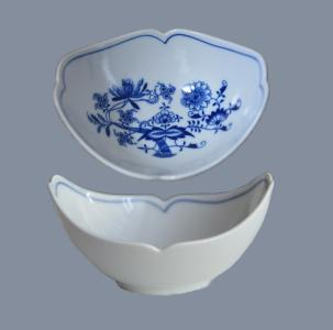 Zwiebelmuster Small Shell Fruit, Original Bohemia Porcelain from Dubi