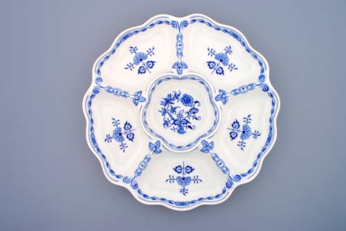 Zwiebelmuster Round Dish 6 Compartments, Original Bohemia Porcelain from Dubi