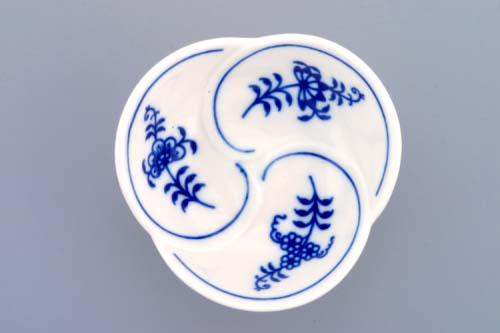 Zwiebelmuster Dish Trefoil 7,3cm, Original Bohemia Porcelain from Dubi