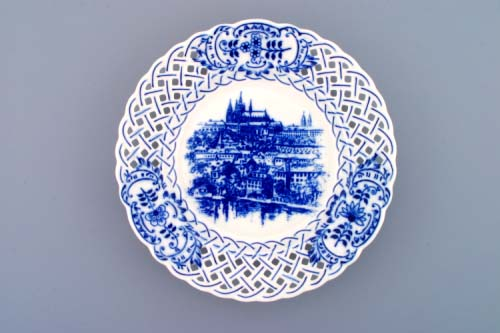 Zwiebelmuster Wall Plate Perforated Prague, Original Bohemia Porcelain from Dubi