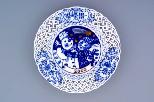 Zwiebelmuster Wall Plate Perforated 2000 18cm, Original Bohemia Porcelain from Dubi