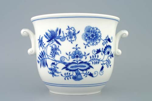 Zwiebelmuster Medium Flower Pot wiht Handles, Original Bohemia Porcelain from Dubi