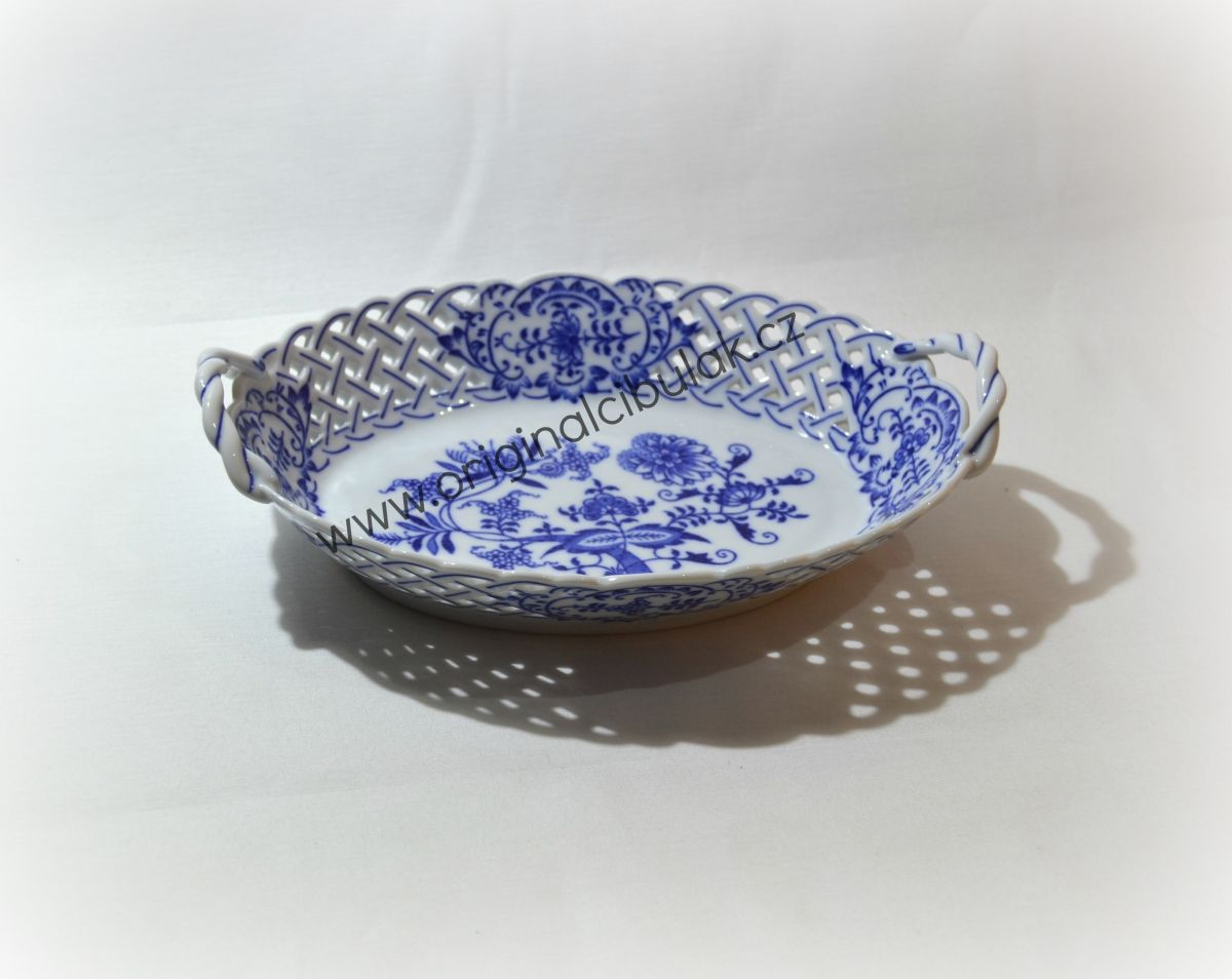 Zwiebelmuster Basket Perforated 24cm, Original Bohemia Porcelain from Dubi