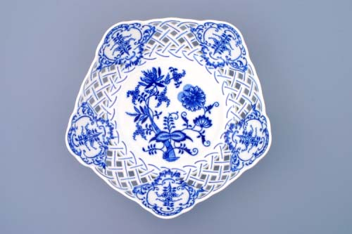 Zwiebelmuster Dish Pentagonal Perforated 24cm, Original Bohemia Porcelain from Dubi