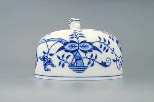 Zwiebelmuster Cheese Container Cover,Original Bohemia Porcelain from Dubi