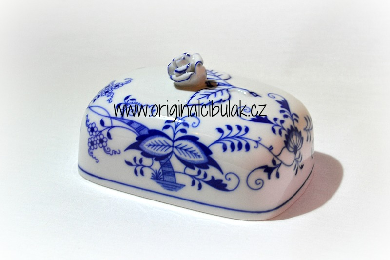 Zwiebelmuster Butter Dish Cover Small, Original Bohemia Porcelain from Dubi