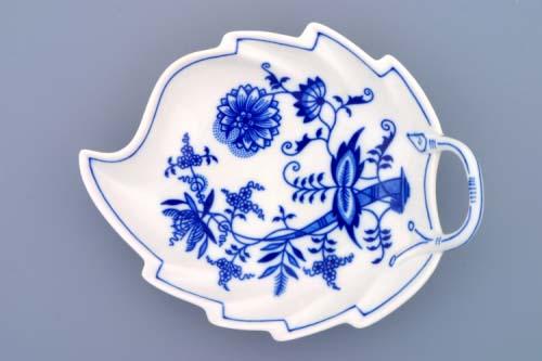 Zwiebelmuster Leaf Dish 19cm, Original Bohemia Porcelain from Dubi