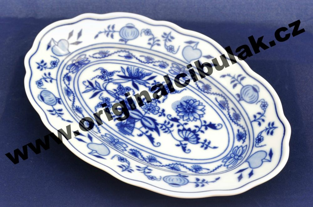Zwiebelmuster Oval Dish 20cm, Original Bohemia Porcelain from Dubi