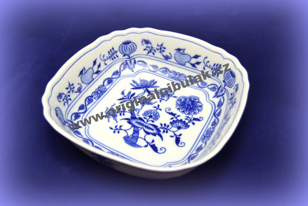 Zwiebelmuster Square Salad Dish 19cm, Original Bohemia Porcelain from Dubi