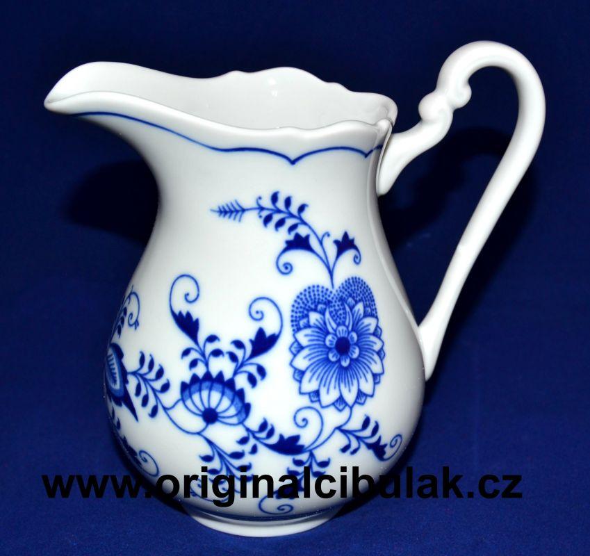 Zwiebelmuster Creamer Tall 0.50L, Original Bohemia Porcelain from Dubi