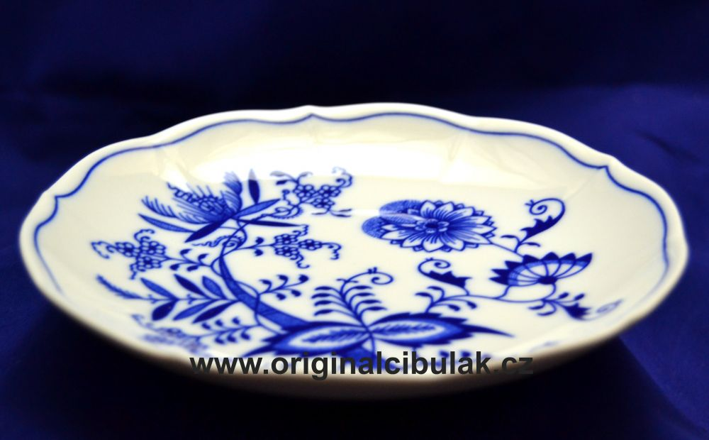 Zwiebelmuster Creamsoup Saucer, Original Bohemia Porcelain from Dubi