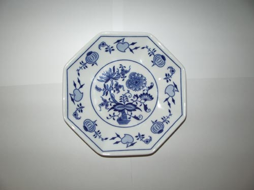 Zwiebelmuster Octan Plate 19.5cm, Original Bohemia Porcelain from Dubi