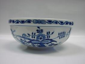 Zwiebelmuster Small Round Bowl 17.1cm, Original Bohemia Porcelain fromDubi