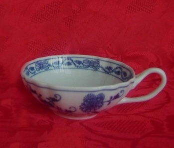 Zwiebelmuster Cup Decorated 0.20L, Original Bohemia Porcelain from Dubi