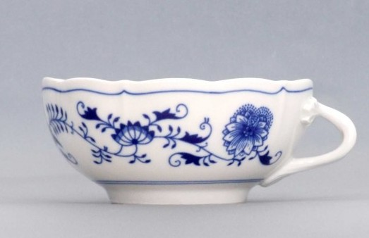 Zwiebelmuster Creamsoup with Handle 0.30L, Original Bohemia Porcelain from Dubi