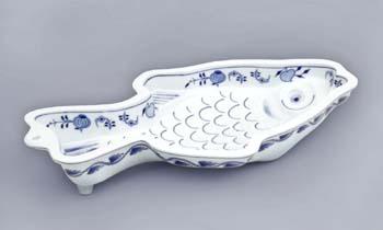 Zwiebelmuster Baking Form Carp 37cm, Original Bohemia Porcelain from Dubi