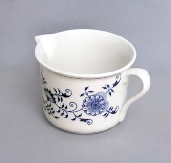 Zwiebelmuster Mug Varak with Handle and Beak, Bohemia Porcelain from Dubi