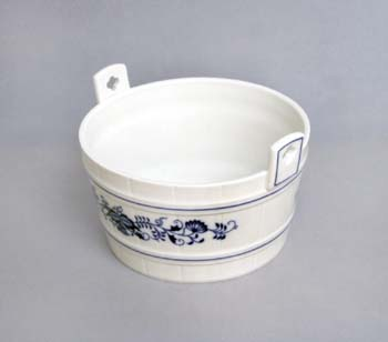 Zwiebelmuster Kneading Trough, Original Bohemia Porcelain from Dubi