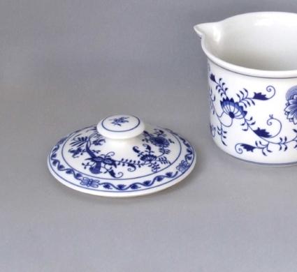 Zwiebelmuster Mug Cover, Original Bohemia Porcelain from Dubi
