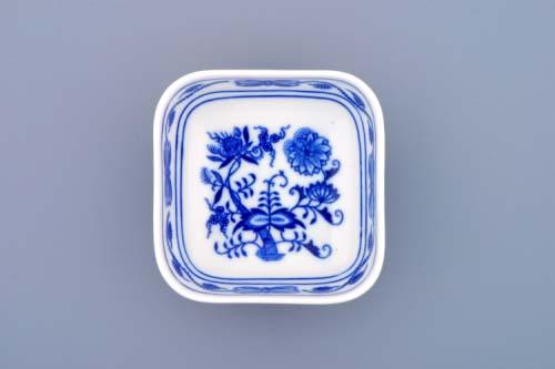 Zwiebelmuster Dish Small Aero, Original Bohemia Porcelain from Dubi