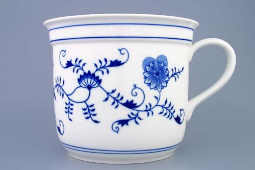 Zwiebelmuster Czech Mug with One Handle, Original Bohemia Porcelain from Dubi