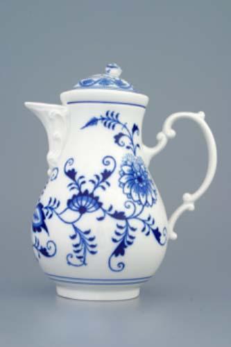Zwiebelmuster Coffee Pot 0.60L, Original Bohemia Porcelain from Dubi