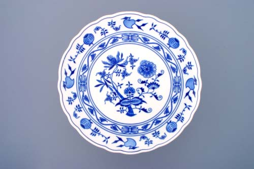 Zwiebelmuster Cake Plate Footed 31cm, Original Bohemia Porcelain from Dubi