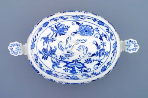 Zwiebelmuster Vegetable Tureen oval 1.5L, Original Bohemia Porcelain from Dubi