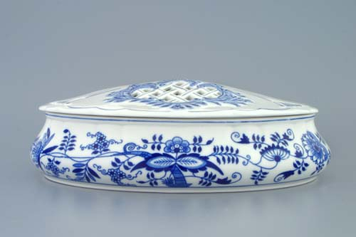 Zwiebelmuster Candy Container with Cover, Original Bohemia Porcelain from Dubi
