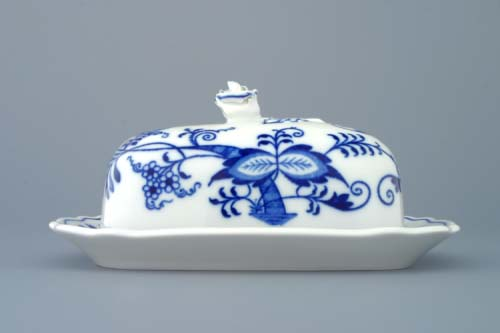 Zwiebelmuster Butter Dish Small, Original Bohemia Porcelain from Dubi
