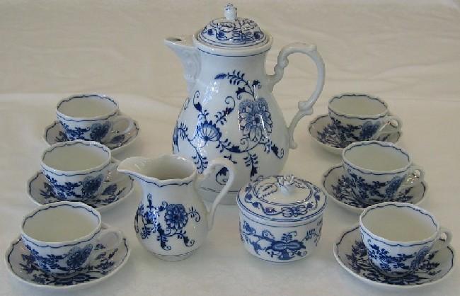 Zwiebelmuster Coffee Set, Original Bohemia Porcelain from Dubi