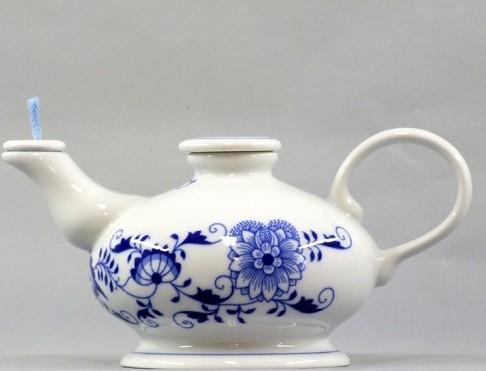 Zwiebelmuste Oil Lamp 10cm, Original Bohemi Porcelain from Dubi
