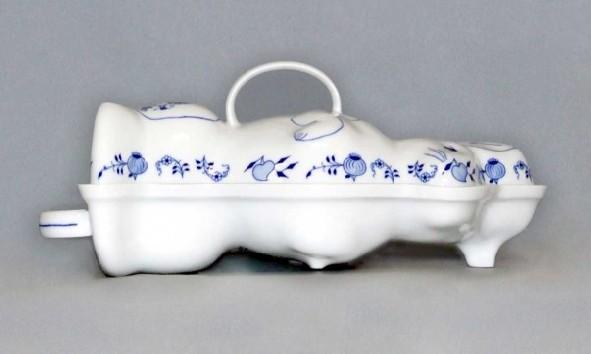 Zwiebelmuster Backing Dish Easter Bunny,Original Bohemia Porcelain from Dubi