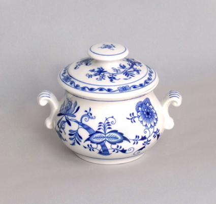 Zwiebelmuster Baking Mug A with Cover, Original Bohemia Porcelain from Dubi