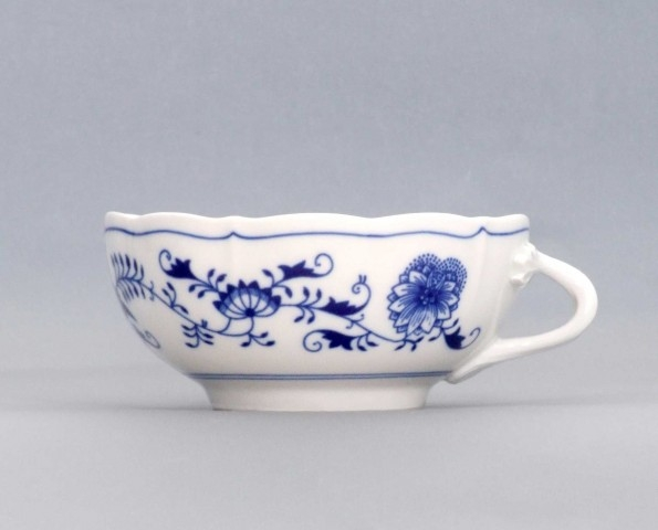 Zwiebelmuster Cup with Saucer 0.30L + 17.5cm, Original Bohemia Porcelain from Dubi
