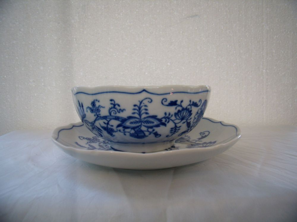 Zwiebelmuster Soup Cup no Handles + Saucer, Original Bohemia Porcelain from Dubi