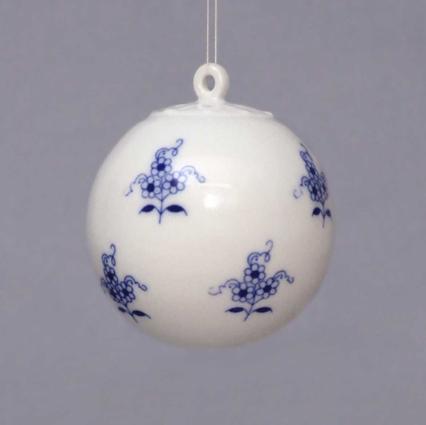 Zwiebelmuster Christmas Ornamet Ball, Original Bohemia Porcelain from Dubi