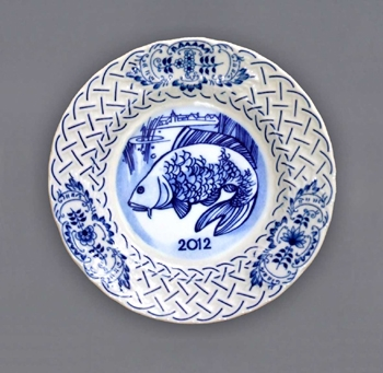 Zwiebelmuster Wall Plate Embossed 2012 18cm, Original Bohemia Porcelain from Dubi