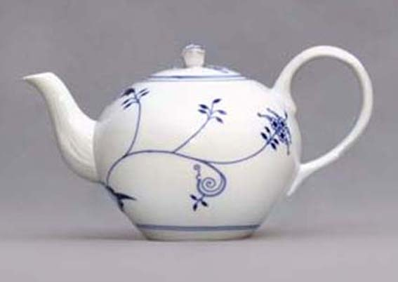Eco Zwiebelmuster Tea Pot with Strainer 1.20L, Bohemia Porcelain from Dubi