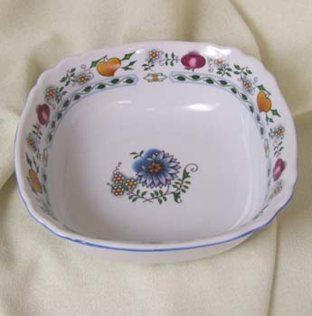 Nature Zwiebelmuster Square Salad Dish 21cm,NATURE Bohemia Porcelain from Dubi
