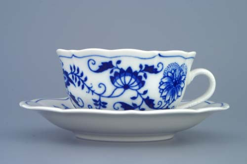 Zwiebelmuster Cup C/1 with Saucer ZC/1, Original Bohemia Porcelain from Dubi