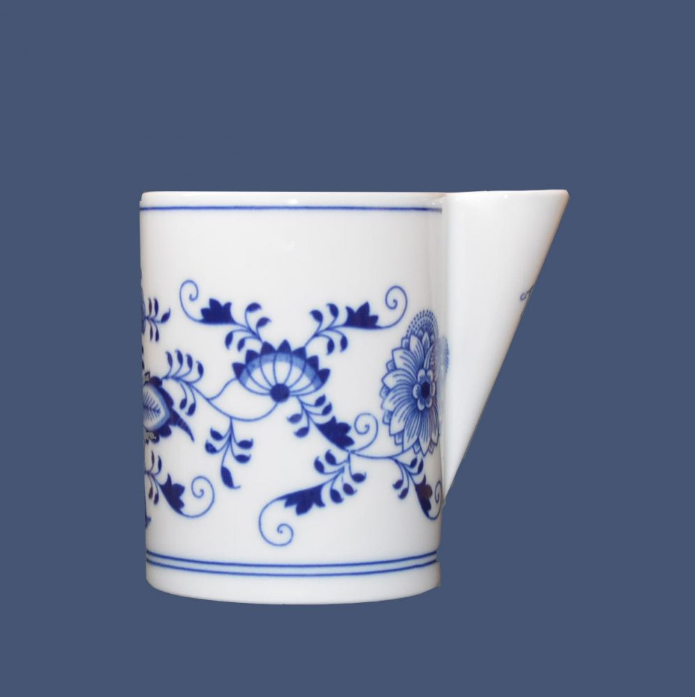 Zwiebelmuster Serving Box, Original Bohemia Porcelain from Dubi